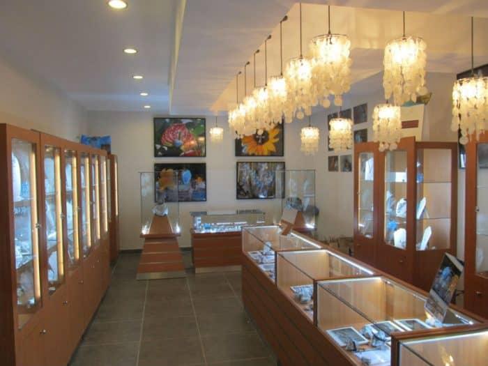 Музей и фабрика Ларимар в Доминиканской Республике
